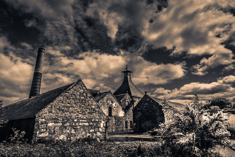 Dramatic black and white photo of Clynelish Brora distillery